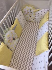 Бортики в кроватку Сонные Единороги серый зиг-заг+жёлтая полоска